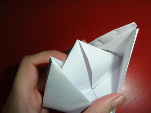Почти готовый кораблик из бумаги своими руками