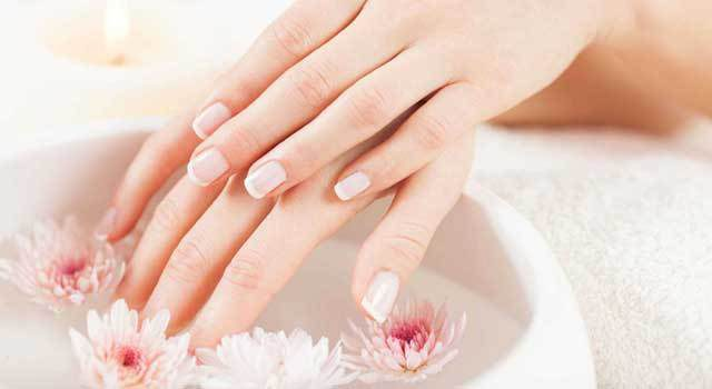 Догляд за нігтями
