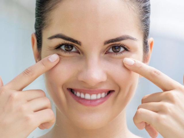 Remove bags under the eyes