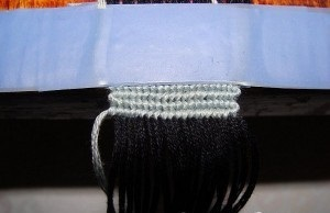 Плетем серой нитью