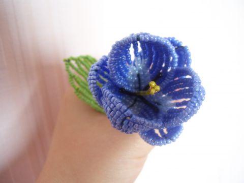 Плетение из бисера-тюльпан