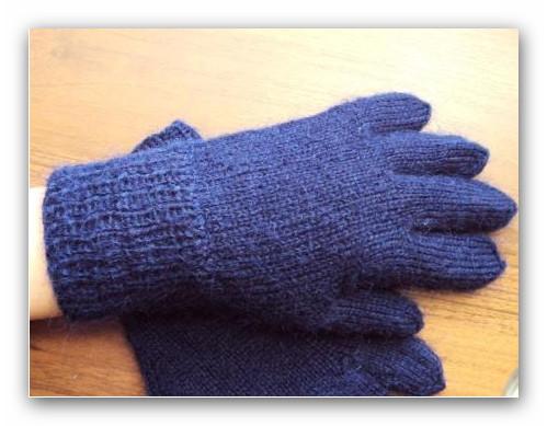 Вяжем детские перчатки