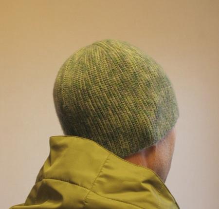 Мужская шапка, связанная крючком