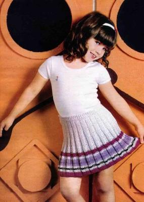 Юбочка в складку или юбка-плиссе спицами для девочки